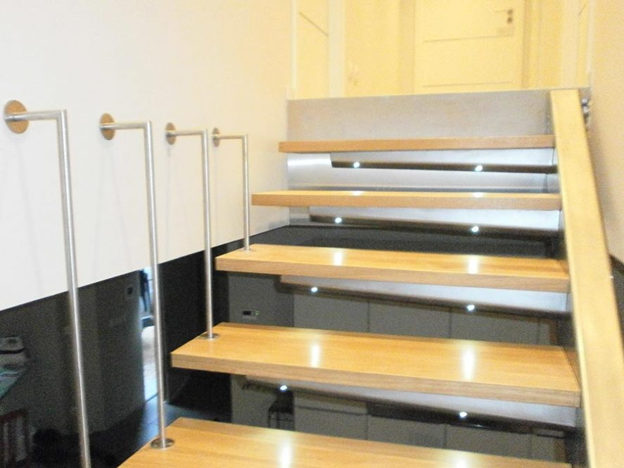 escalier intérieur bois rambarde inox