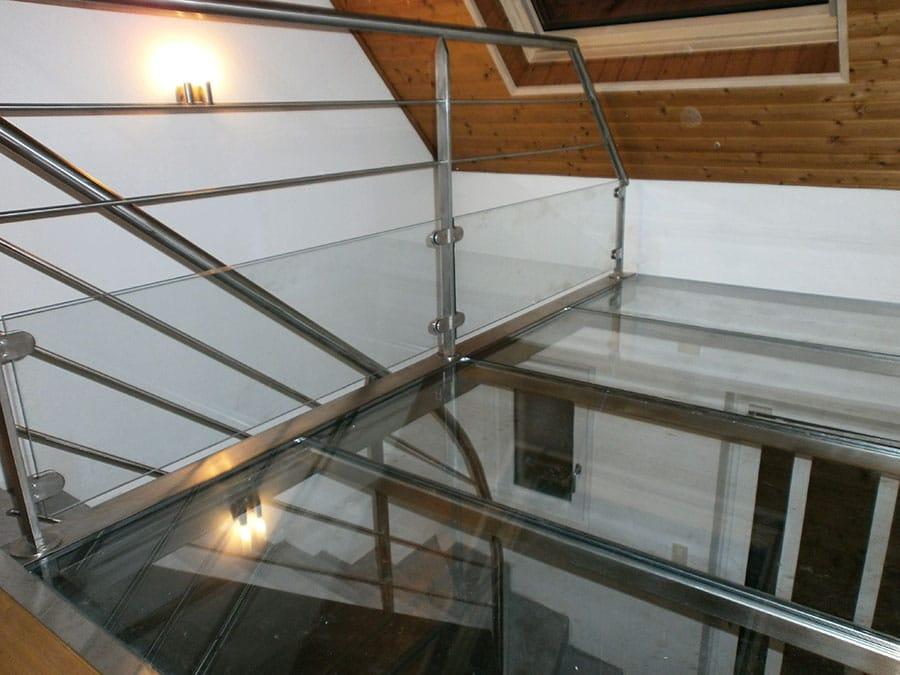 Mezzanine plancher verre et garde-corps inox verre