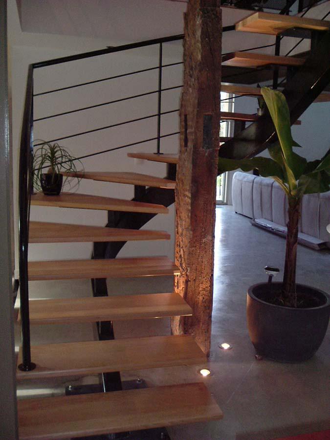 escalier débillardé poutre bois