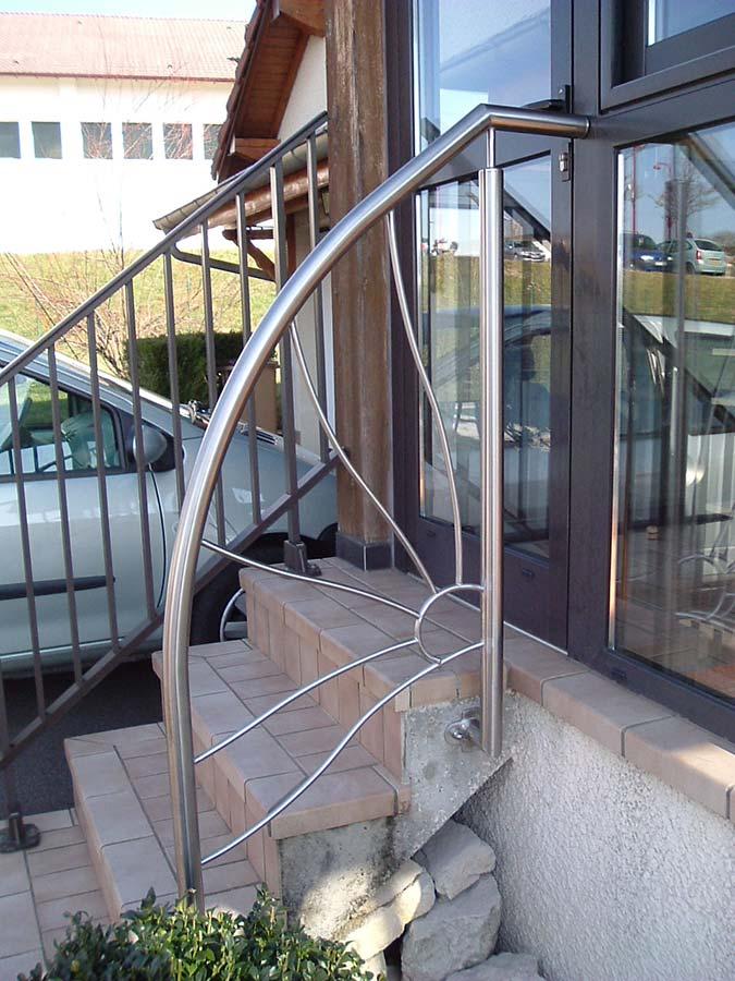garde corp moderne elegant hall de nuit escalier garde corps vitr moderne with garde corp. Black Bedroom Furniture Sets. Home Design Ideas