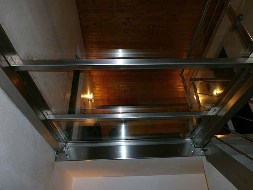 plancher verre inox