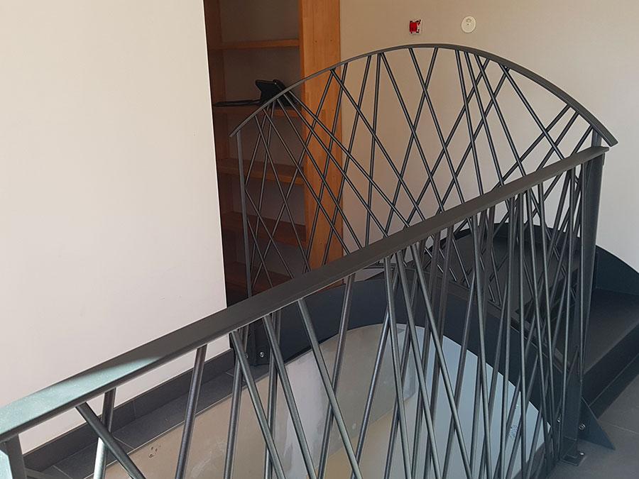 Garde-corps métal et pont suspendu
