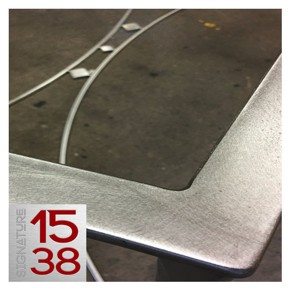 création d'une table basse design en inox brossé