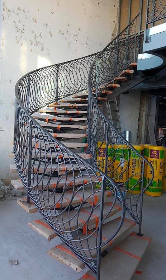 Conception et Fabrication sur mesure d'un Escalier débillardé