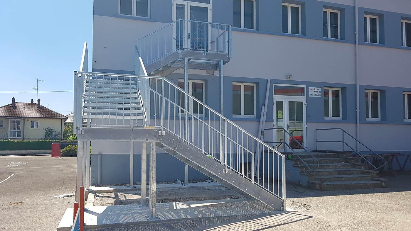 Fabrication d'escaliers intérieurs ou extérieurs sur mesure